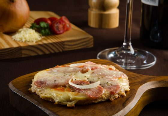 Mini Pizza de Calabresa – Zest Life